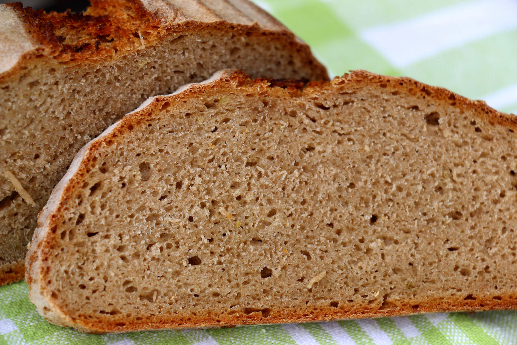 Read more about the article Brot backen mit Sauerteig